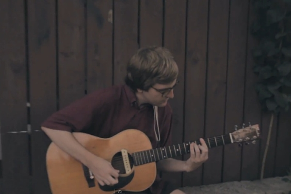 "VIDEO: DENT MAY - ""DO THINGS"" (ACOUSTIC)"