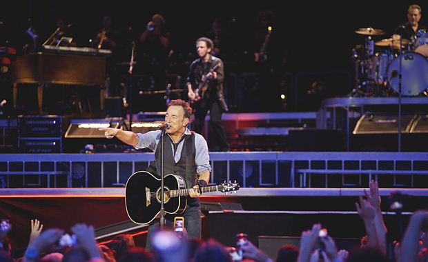 GOING LIVE: BRUCE SPRINGSTEEN