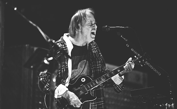 GOING LIVE: NEIL YOUNG & CRAZY HORSE