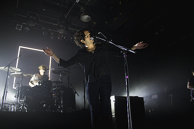The 1975-6