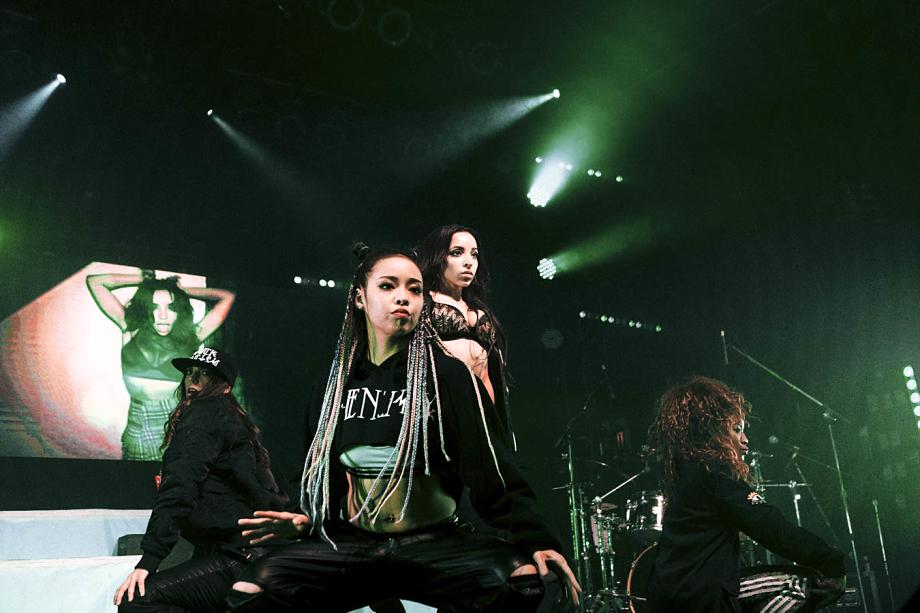 Tinashe-13