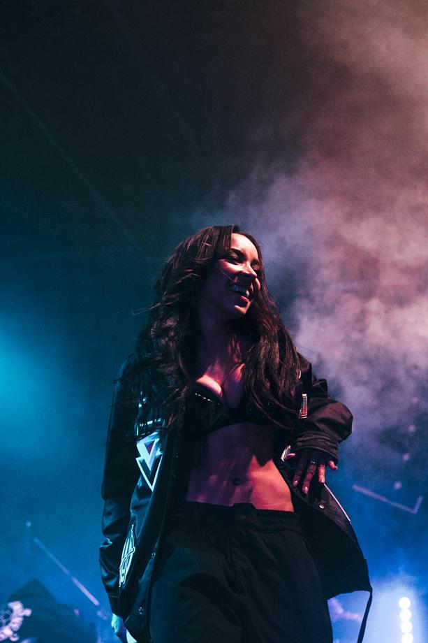 Tinashe-4