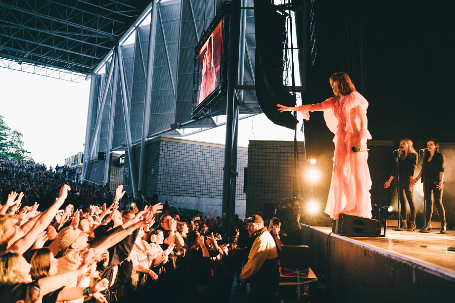 Florence And The Machine - Molson Amphitheatre-3