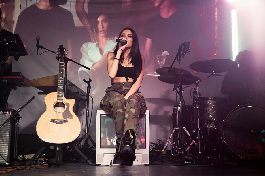 Madison Beer - The Velvet Underground-15