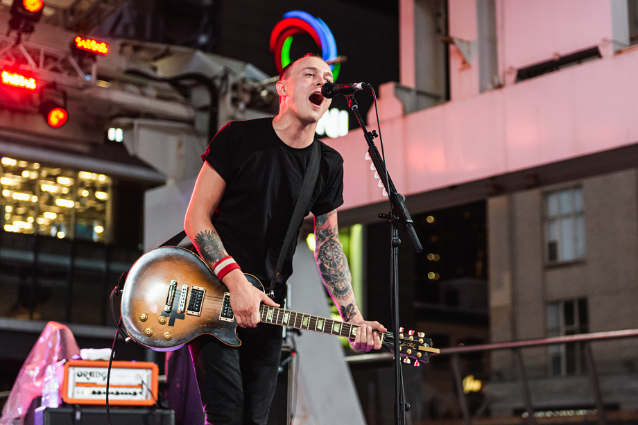 The Flatliners - Yonge-Dundas Square-8